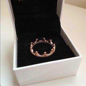 Pink sparkling crown ring